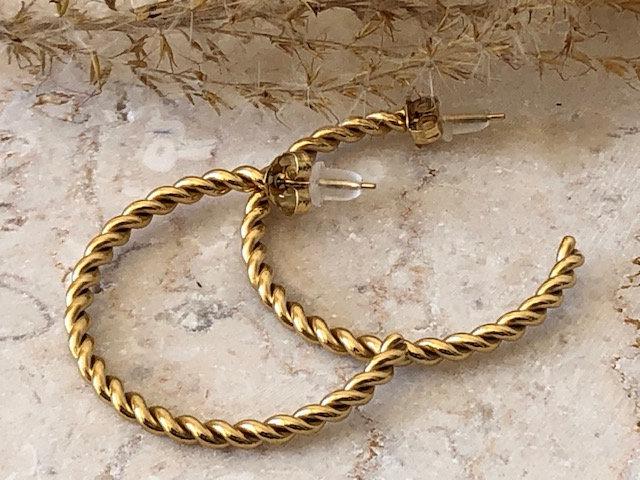 Boucles anneaux torsadés