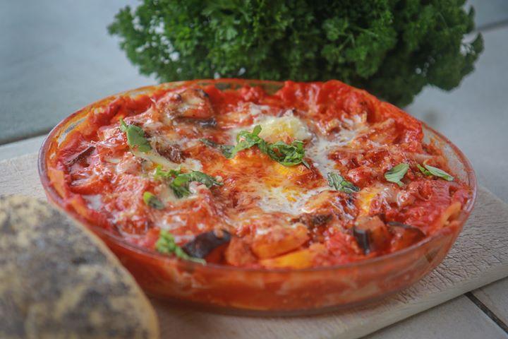 Courgettes vertes et jaunes, fenouil, , poivrons, aubergines, ... et un peu de coulis de tomates bio en attendant les tomates.