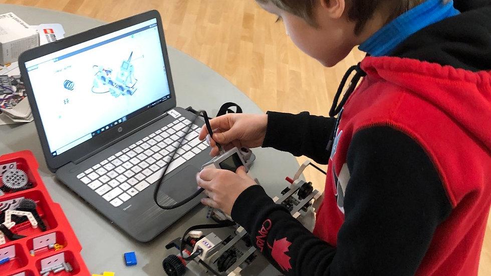 ROBO301 - LEGO Mindstorms EV3 Robotics (11-14 years) Private lessons