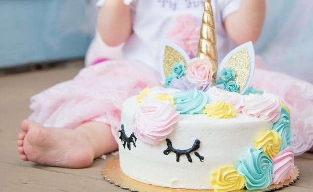 Lily Cake Smash-17.jpg