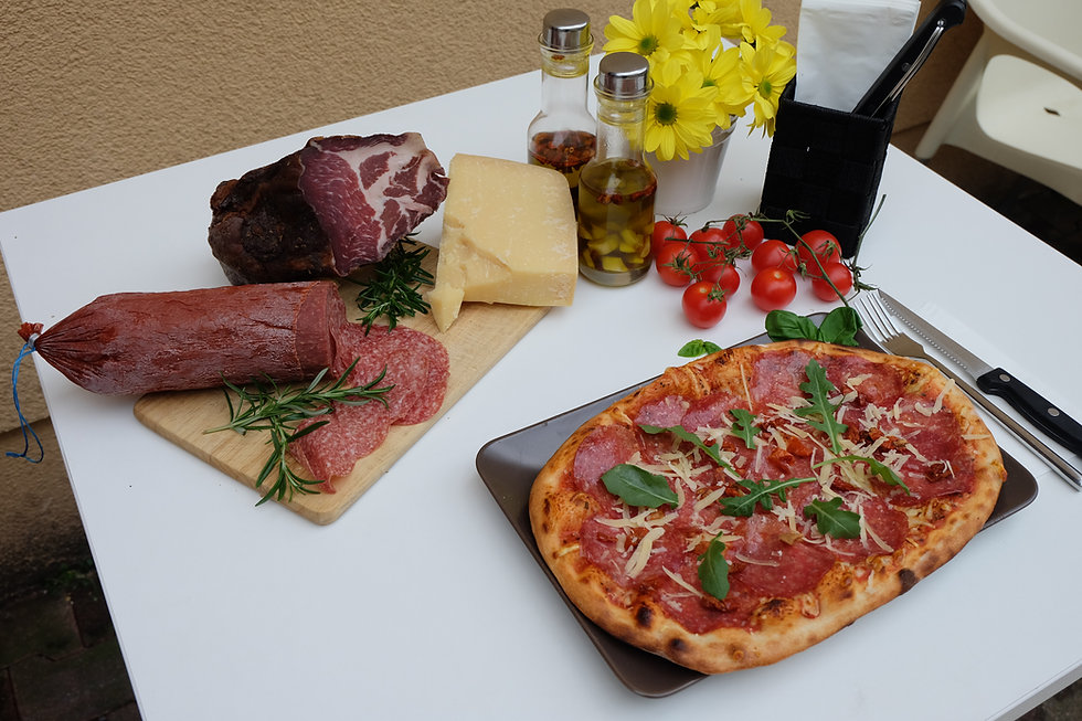 Pizza 6 Salami.JPG