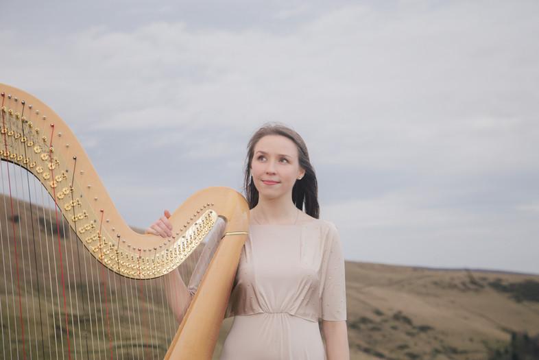 Elinor Nicholson Harp.jpg