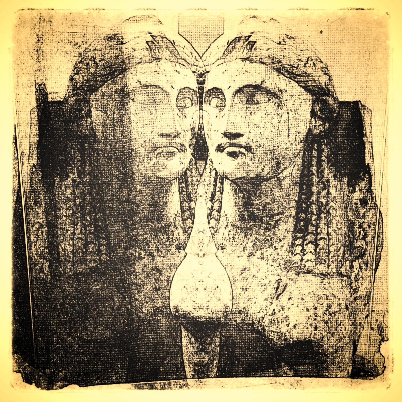 Sphinxes, Twinned