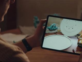Apple сняла шуточный видеоролик о коробке из гофрокартона