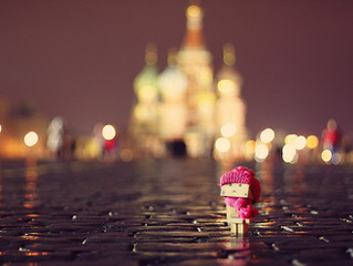 Знаменитый картонный человечек побывал в Москве!