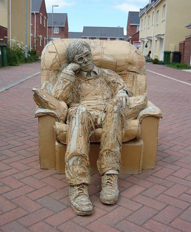 Удивительные картонные скульптуры