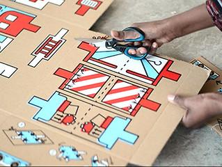 Игрушки из картонных коробок для детей-беженцев
