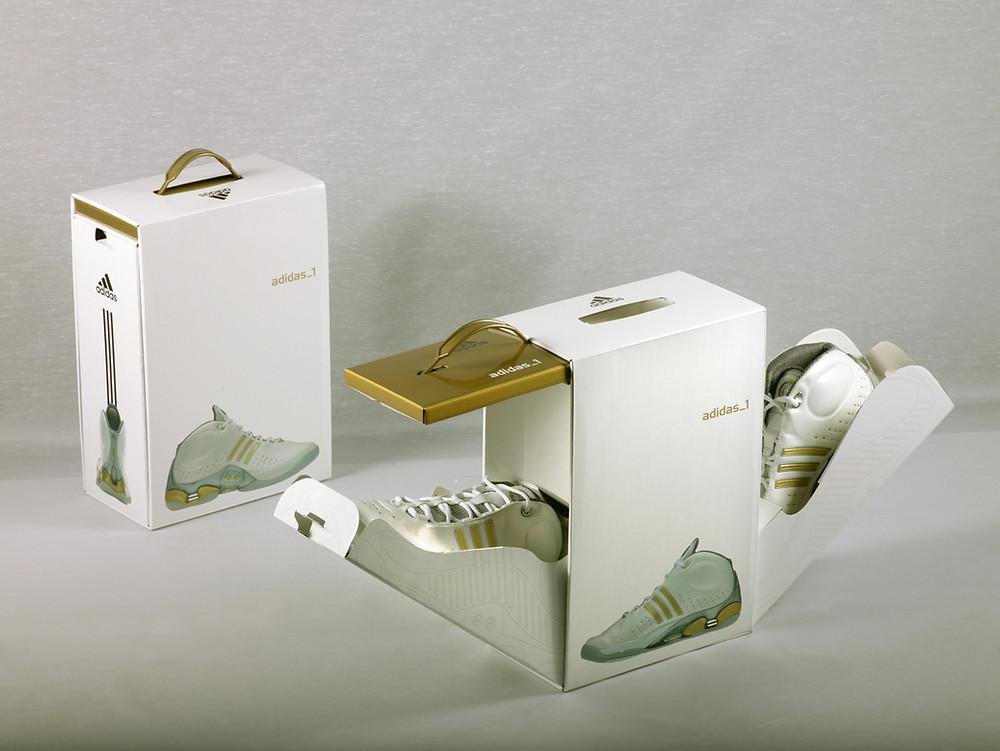 Картонная коробка для обуви