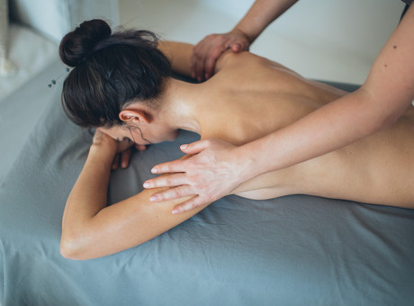 6 Healthy Ways Getting a Massage Benefits Your Entire Body