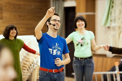 Mark Kovnatkiy teaches Yiddish dances