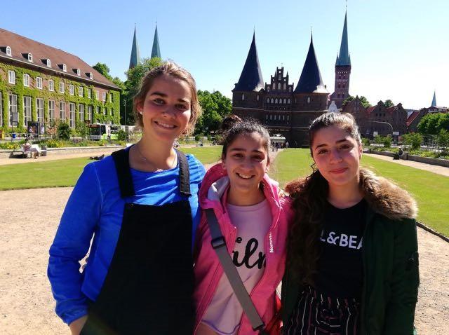Serafina Kommissari, Marian Baddour und Suheir Abu Shamsieh bei 'Jugend musiziert' in Lübeck