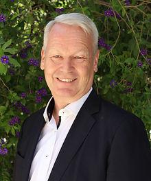 Dr. Georg.JPG