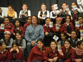 Detlev Jöcker zu Besuch in der Schmidt-Schule