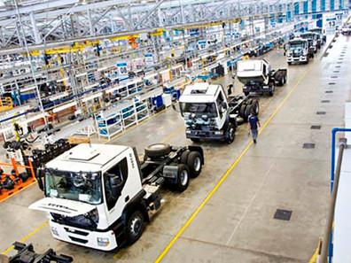 Vendas de caminhões e de ônibus crescem