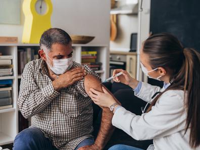 Trabalhadores do transporte já receberam mais de 1 milhão de doses de vacinas contra a covid-19