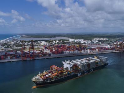 Primeiro semestre tem aumento de quase 4% em movimentação de cargas nos portos do Brasil
