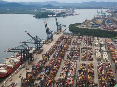 ANTAQ e Porto de Santos fazem operação para controlar chegada de caminhões sem agendamento