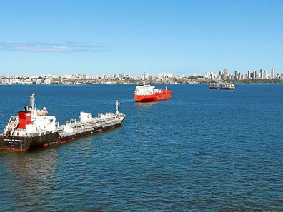 Marinha apoia projeto que prevê teto para serviços de práticos no País