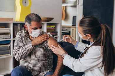 Mais de 400 mil trabalhadores do transporte já foram vacinados contra a covid-19 no Brasil