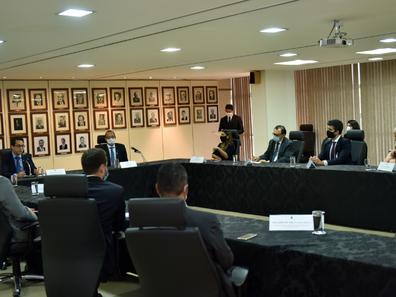 CNT e SEST SENAT assinam acordo de cooperação com Ministério da Justiça