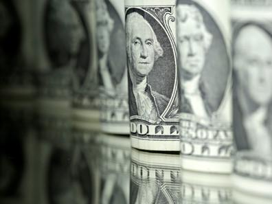 Dólar sobe pelo 7º dia e fecha a R$ 4,12, maior patamar em quase 3 anos