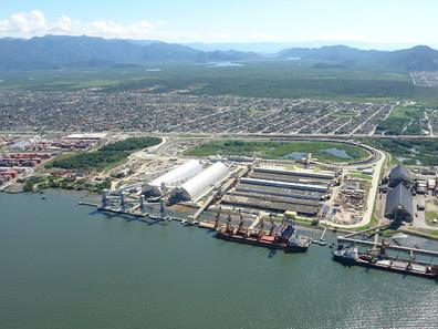 Prefeitura multa terminal portuário por emissão de poluentes