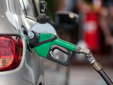 Preço médio do diesel e da gasolina nas bombas terminam a semana em alta