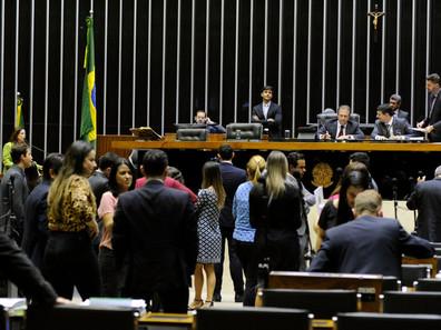 Câmara aprova projeto que agiliza adoção de medidas de proteção às mulheres