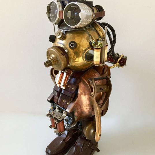 robot cuivre soulier.jpg
