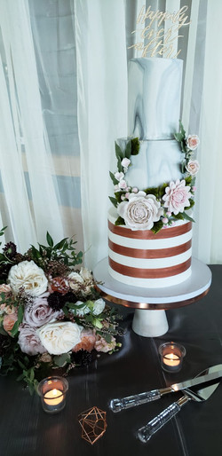 N & M's Wedding Cake