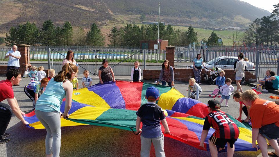 Maerdy Kidz R Us Parachute play