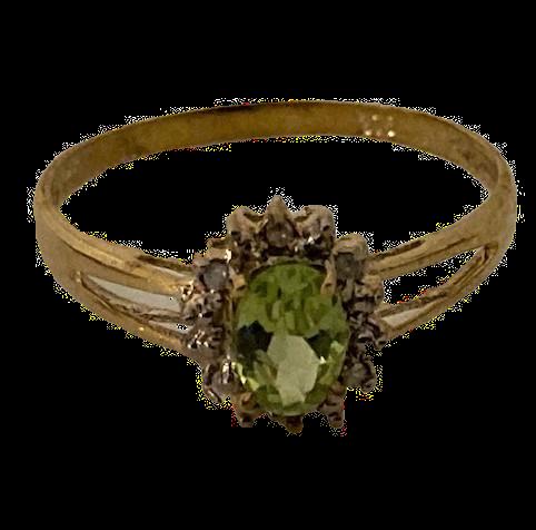 9ct Gold Peridot & Diamond Ring Size O