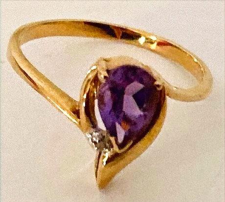 9k Gold Teardrop Amethyst & Diamond Ring Size N