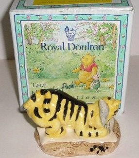 Royal Doulton Winnie the Pooh Tigger Signs The Rissolution WP6
