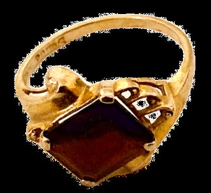 9ct Gold Baguette Cut Garnet Ring Size P
