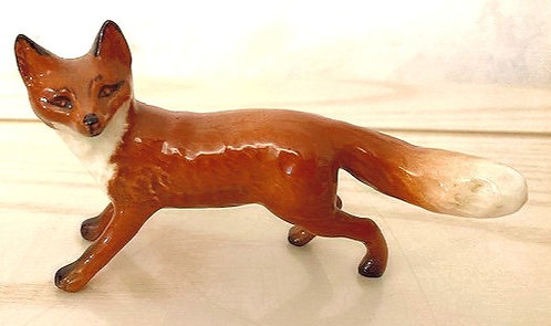 Beswick Fox Standing 1440