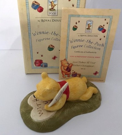 Royal Doulton Winnie the Pooh Love Makes All Your Bothers Disappear WP39