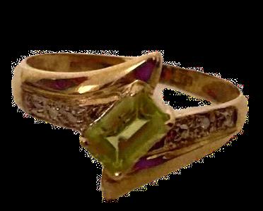 9k Gold Peridot & Diamond Ring Size N/O