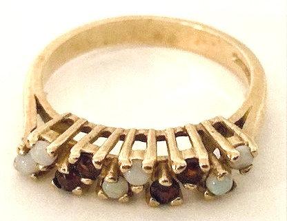 9ct Gold Opal & Garnet Ring Size N