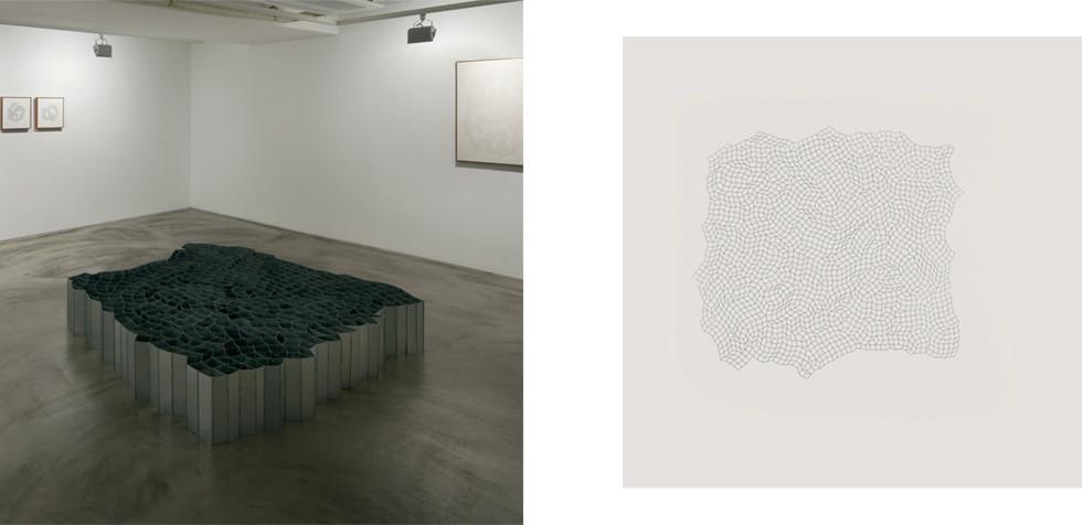 함석판으로 된 600개의 경첩 (600 pieces of Hinges; made of sheet zinc) , 2010, zinc hinges, 190 × 190 × 30 cm