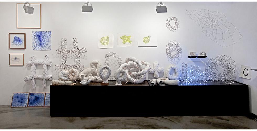 작가의 방 다중토러스 벽면 Artist's studio Study on Multi Torus, 2011-14, 563 x 253 cm