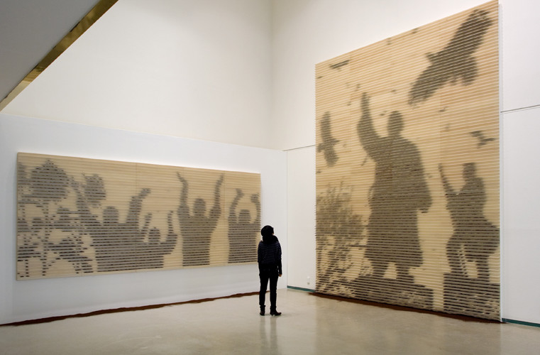 (left) hurrah! (right) a day in Namsan, 2009, wall installation with ground coffee, 200 x 500 cm, 500 x 400 cm