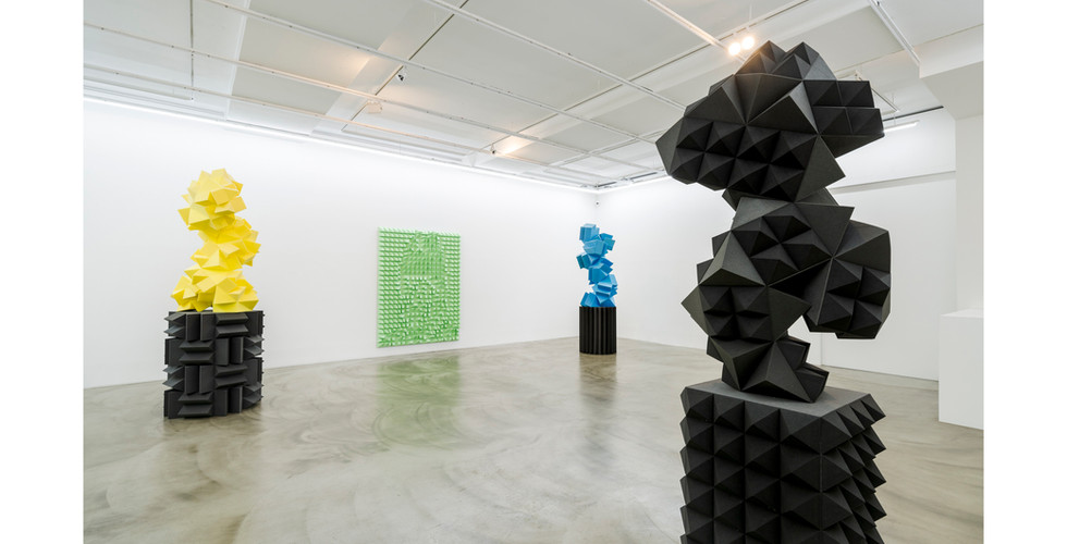 Installation view of Anechoic Figures, Gallery Simon, 2021