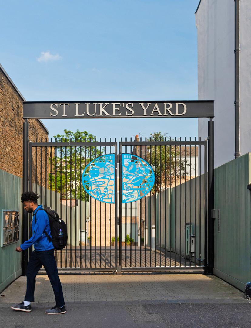 St Luke's Yard, entrance gates
