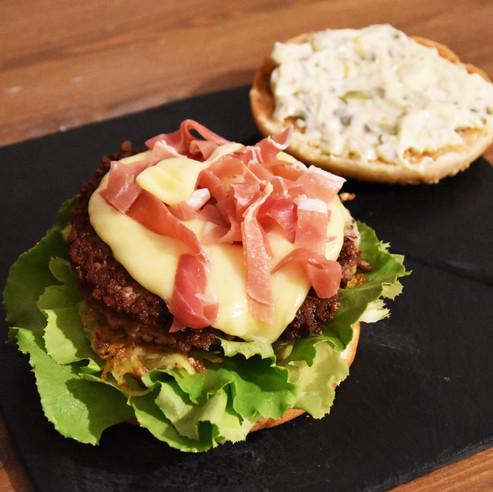 """The """"Au Chalet"""" Burger"""