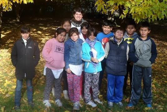 Lucia con i bambini a Derqui