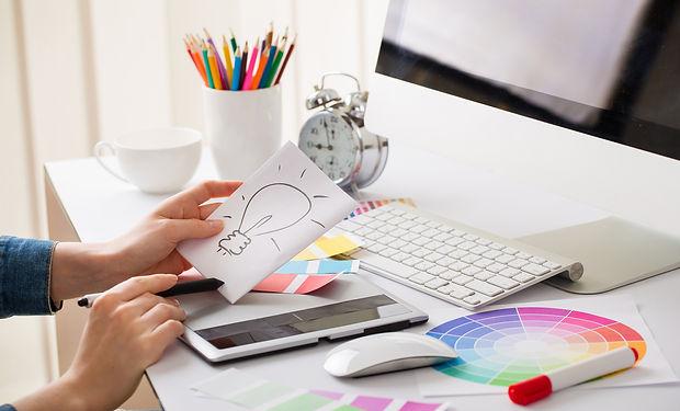 desktop-and-design-graphic-designer-desk