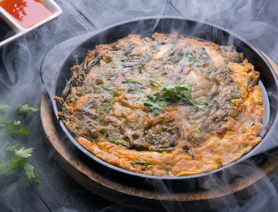 Sizzling pan-fried oysters