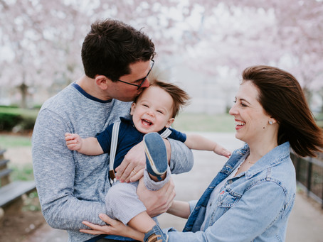 A Springtime Family Portrait Session on Capitol Hill
