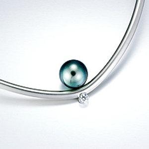 Alpha neckpiece with Tahitian pearl/diamond